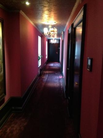 Dorsia Hotel & Restaurant: hallway