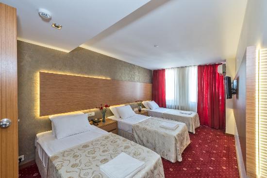 Erbazlar Hotel: üç kişilik oda