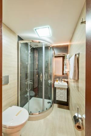 Erbazlar Hotel: banyo