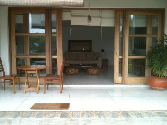 Baramba House: living