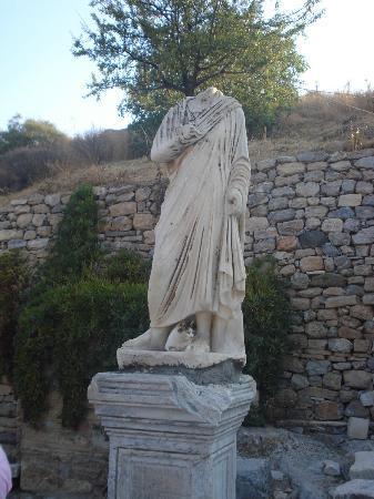 Ephesus Museum: Estátua de Escolástica.