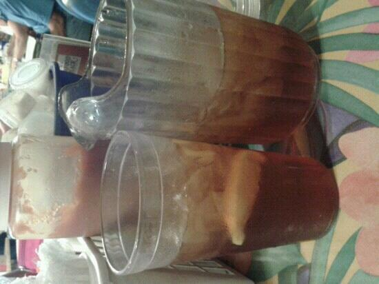Doc's Seafood Shack and Oyster Bar: best sweet tea on the island