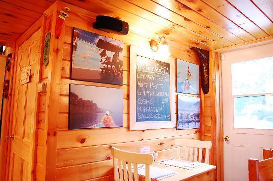 Landmark Cafe: Inside 