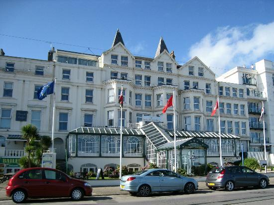The Empress Hotel: View from promenade