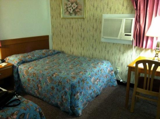 Newburg, PA: The room was comfortable and modern.