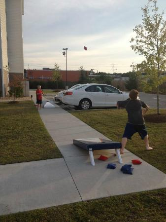 Suburban Extended Stay Hotel Camp Lejeune : Play the Suburban Cornhole game!!