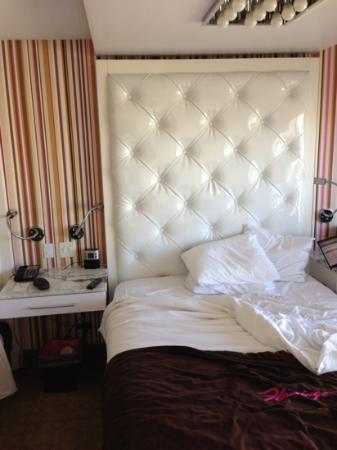 Redesigned Rooms Include A Tacky Vegas Headboard Picture