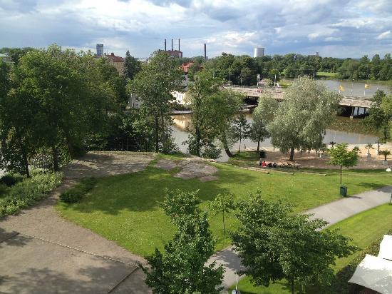 Scandic Linkoping City: udsigt fra værelset og ned bagved hotellet