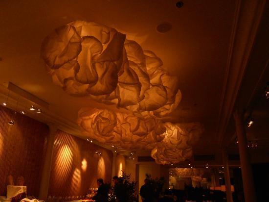 Nobis Hotel: lamps Caina restaurant.