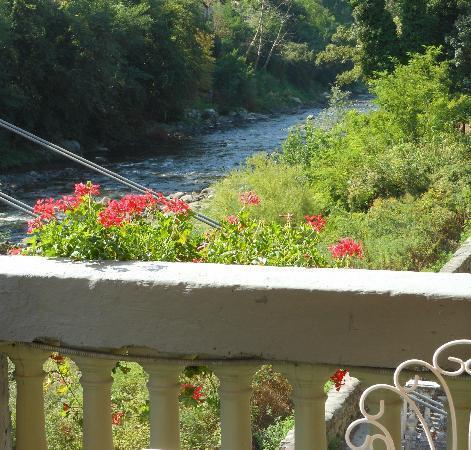 Ristorante Circolo dei Forestieri: Terrazzina sul fiume