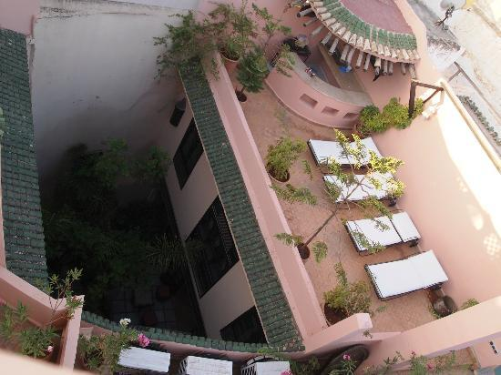 Riad d'Or: Terrazzo e cortile giardino
