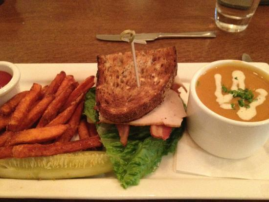 Red Rooster at The Woodstock Inn and Resort: Butternut Squash Soup, Turkey Sandwich & Sweet Potato Fries