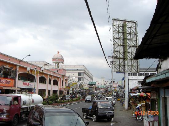 Grand Wahid Hotel Salatiga: Salatiga Downtown