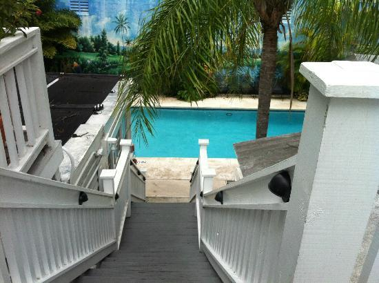 Rose Lane Villas: pool access