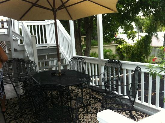 Rose Lane Villas: Back deck (Stairs lead to deck off of the upper bedrooms)