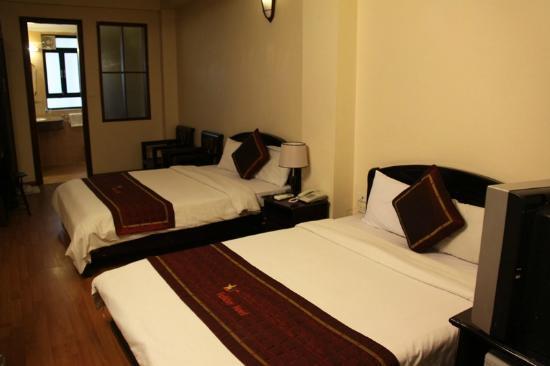 Holiday Gold Hotel: La habitacion, que aunque solo queriamos una doble, nos la dieron cuadruple.