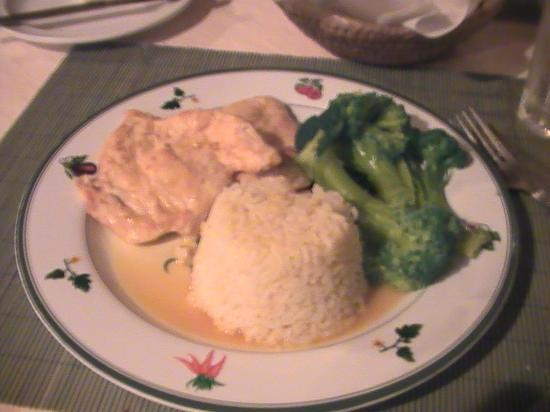 Seascape Inn, Andros: food I loved - chicken in lime and wine