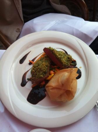 Belmondo Restaurant: Lamm mit Kräuterkruste