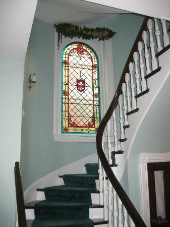 Mahogany Manor Bed and Breakfast: Beautiful Stained Glass