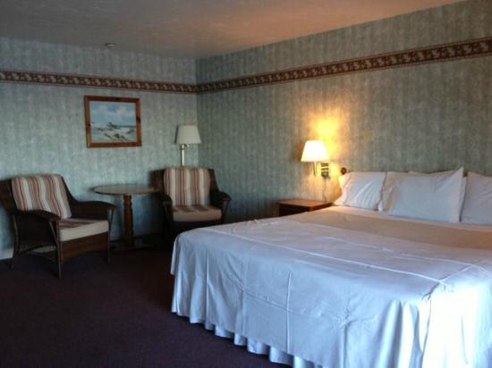 Pilgrim Sands on Long Beach: king room
