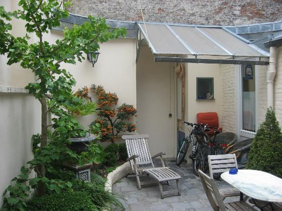 Le Soleil du Lion chambre d'hôtes : Inner courtyard