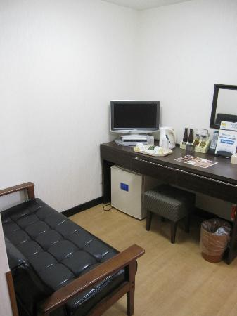 Hotel Shin Osaka: Semi double room