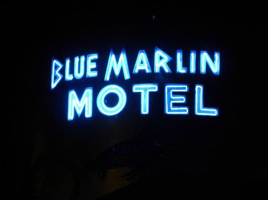 Blue Marlin Motel: at night