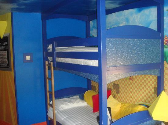 Alton Towers Hotel: Sonic the Hedgehog theme room