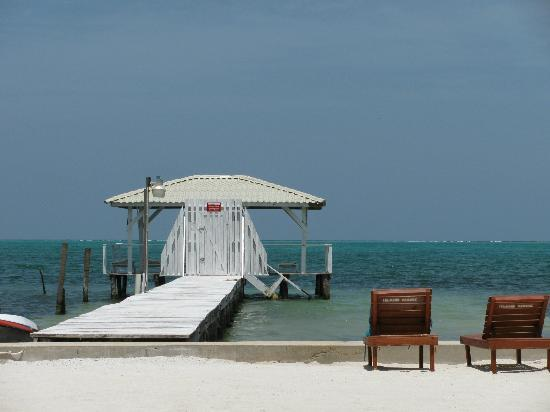 Island Magic Beach Resort: our private hotel dock with sun loungers