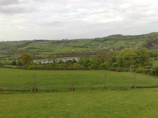 The Hill Top Inn: Beautiful view over looking three forms of transport...Rail..Road..Water!!