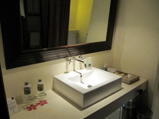 Veranda Resort and Spa Hua Hin Cha Am - MGallery Collection: Bathroom - upstairs
