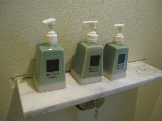 Veranda Resort and Spa Hua Hin Cha Am - MGallery Collection: Bathroom amenities