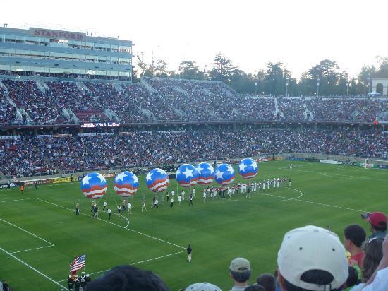 Stanford University : Stanford Stadium