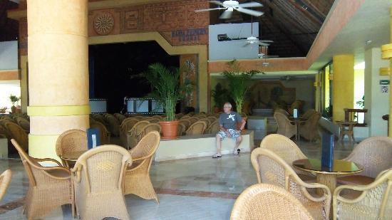 Grand Bahia Principe Coba: Akumal Theatre area