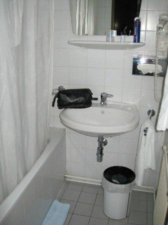 Pension Schönbrunn: Bathroom