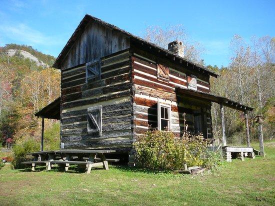 Hemlock Lodge: Glidie Cabin - Mountaineer Exhibit 