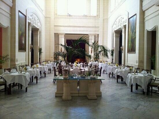 كورنثيا بالاس هوتل آند سبا: Villa Corinthia Main Restaurant 