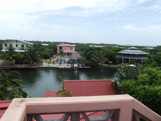 Silver Leaf Villa and Cabana: balcony view