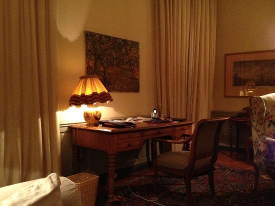 La Mirande Hotel: livingroom