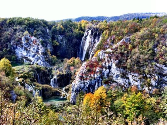 Hotel Jezero: waterfalls at Pritvice lakes