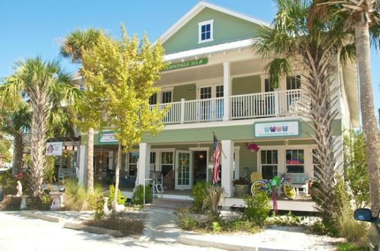 Anna Maria Guest Houses: 315 & 317 Guest Houses