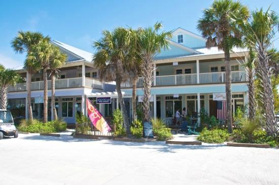 Anna Maria Guest Houses: Lots of Shopping along the street