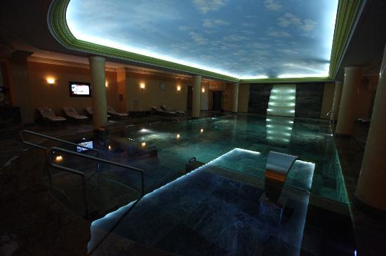 Swiss Diamond Hotel Prishtina: Spa Pool