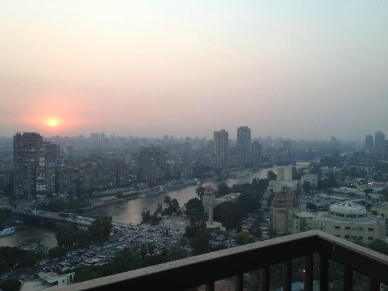 Sofitel Cairo El Gezirah: sunset, 24th floor