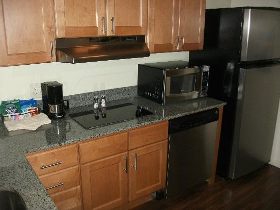 Hyatt House Salt Lake City/Sandy: Kitchen