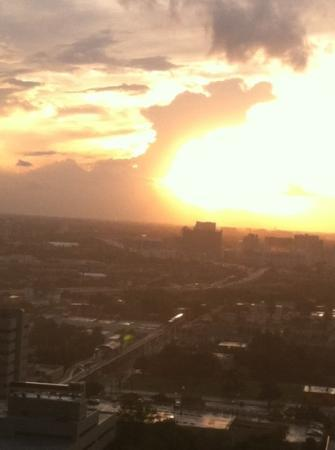 Miami Marriott Biscayne Bay: sunset from 3128