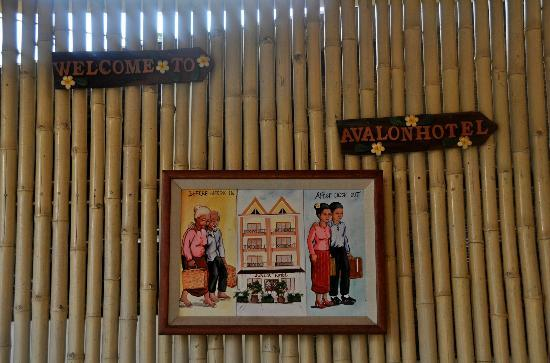 Avalon Hotel: En la entrada