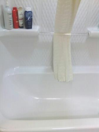 Palmetto Shores Oceanfront: ultra clean bath - mobile pic