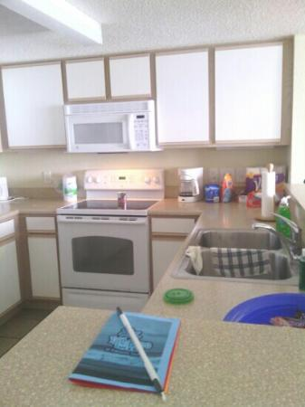 Palmetto Shores Oceanfront: huge n fully equipped kitchen.....spotless
