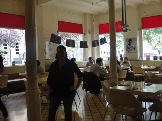 Carmelitas Tapas : Stephany the friendly hostess